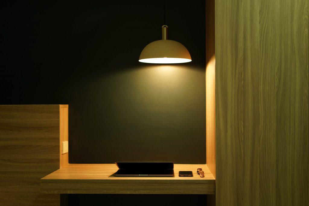 escritorio flotante pared moderno