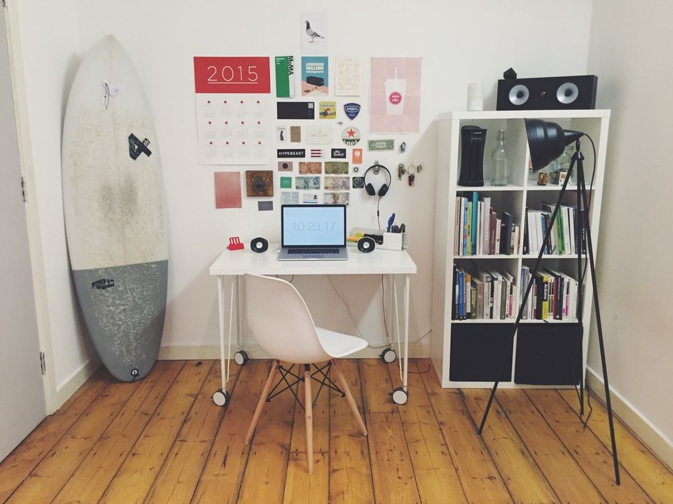 escritorios blancos modernos