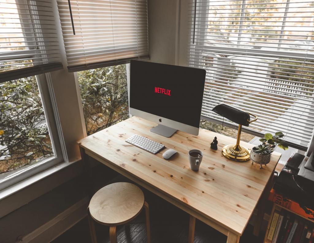 mesa ordenador madera de pino