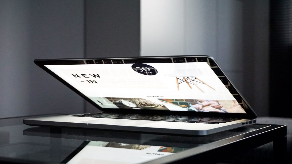 mesa ordenador cristal